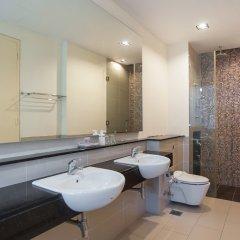 Отель Pearl Suites Swiss Garden Residences Малайзия, Куала-Лумпур - отзывы, цены и фото номеров - забронировать отель Pearl Suites Swiss Garden Residences онлайн ванная фото 2