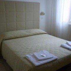 Hotel Fiorana Римини комната для гостей