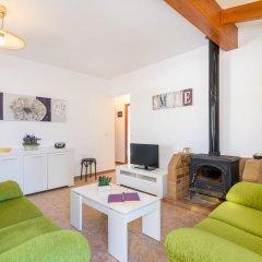 Отель Villa Mestral Испания, Кала-эн-Бланес - отзывы, цены и фото номеров - забронировать отель Villa Mestral онлайн комната для гостей фото 3