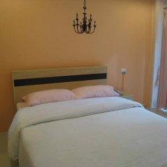 Апартаменты C.S. Poonpol Apartment комната для гостей фото 4