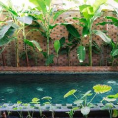 Отель Iamsaigon Homestay 100 Profit For Orphanage бассейн фото 3