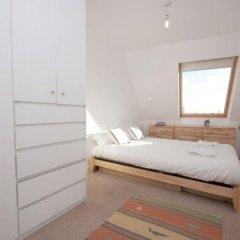 Отель Veeve Top Of The World White Lion Street 2 Bed Penthouse Islington Лондон комната для гостей фото 5