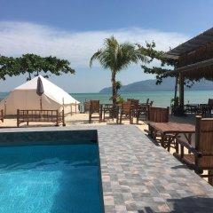 Отель Sea Safari бассейн
