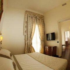 Cristal Hotel Лечче сейф в номере