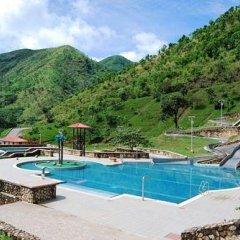 Отель Obudu Mountain Resort бассейн