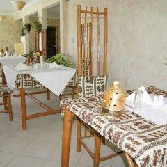 Bamboo Garden Hotel in Kololi, Gambia from 60$, photos, reviews - zenhotels.com meals photo 2
