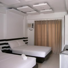 Отель LSM Square Residence Филиппины, остров Боракай - отзывы, цены и фото номеров - забронировать отель LSM Square Residence онлайн фитнесс-зал