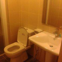 Отель Taragon Apartment Services Малайзия, Куала-Лумпур - отзывы, цены и фото номеров - забронировать отель Taragon Apartment Services онлайн ванная