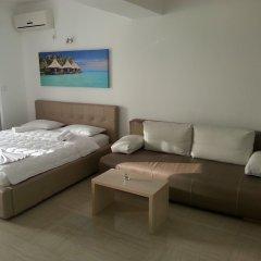Апартаменты Apartments Aura комната для гостей