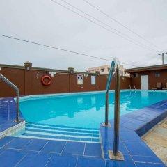 Отель Wyndham Garden Guam бассейн фото 2