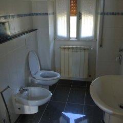 Отель Suites And Chalets Laghi & Monti Италия, Орнавассо - отзывы, цены и фото номеров - забронировать отель Suites And Chalets Laghi & Monti онлайн ванная