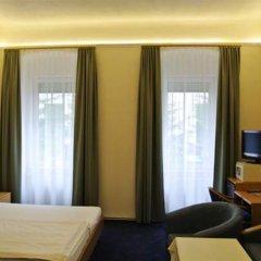 Отель Pension Schonbrunn Вена комната для гостей