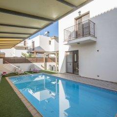 Отель Cyprus Villa Crystal 33 Gold бассейн