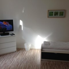 Апартаменты KÖln City Apartment Кёльн комната для гостей фото 3