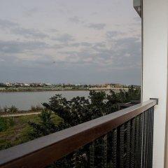Отель Hoi An Silk River Villa балкон