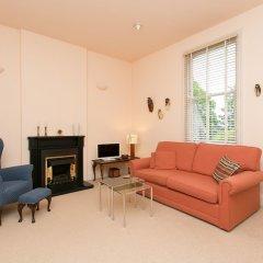 Отель Veeve - Rosey Rosslyn Flat комната для гостей фото 4