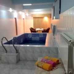 Maria Hotel Вайк бассейн