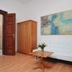 Апартаменты Apartment house Anenská комната для гостей