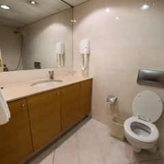 Rimonim Tower Ramat Gan Израиль, Рамат-Ган - 1 отзыв об отеле, цены и фото номеров - забронировать отель Rimonim Tower Ramat Gan онлайн ванная фото 2