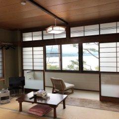 Отель Lake Side Inn Fujinami Яманакако комната для гостей фото 3