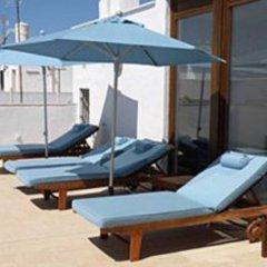 Отель Hostal Extramuros Испания, Кониль-де-ла-Фронтера - отзывы, цены и фото номеров - забронировать отель Hostal Extramuros онлайн бассейн