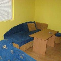 Апартаменты Fears Baket Apartment in Shumen Complex Солнечный берег комната для гостей фото 2