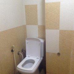 Отель Omega Hotel & Motel Шри-Ланка, Коломбо - отзывы, цены и фото номеров - забронировать отель Omega Hotel & Motel онлайн ванная фото 2