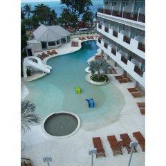 Pattaya Discovery Beach Hotel бассейн