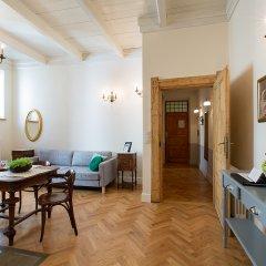 Апартаменты Antique Apartments Plac Szczepanski Краков комната для гостей фото 3