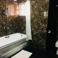 De Brit Hotel ванная