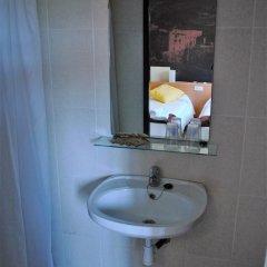 Отель Hostal Guilleumes ванная фото 2