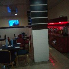 Отель Top Rank Hotel Galaxy Enugu Нигерия, Энугу - отзывы, цены и фото номеров - забронировать отель Top Rank Hotel Galaxy Enugu онлайн помещение для мероприятий