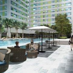 Holiday Inn Hotel And Suites Saigon Airport бассейн фото 3
