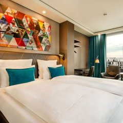 Отель Motel One Frankfurt-Römer комната для гостей