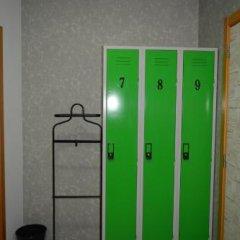 Beatriz Hostel сейф в номере