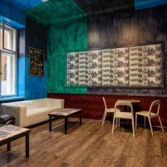 Prague Square Hostel Прага гостиничный бар