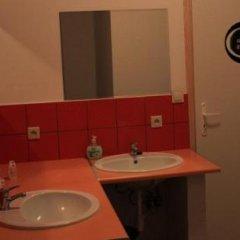 Отель La Guitarra Hostel Poznań Польша, Познань - отзывы, цены и фото номеров - забронировать отель La Guitarra Hostel Poznań онлайн ванная фото 2