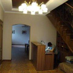 Отель Guest House Kirghizasia Кыргызстан, Бишкек - отзывы, цены и фото номеров - забронировать отель Guest House Kirghizasia онлайн интерьер отеля фото 2