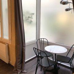 Апартаменты Lovely studio heart of Le Marais Париж балкон