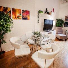 Апартаменты Studio Glam & Chic комната для гостей фото 2