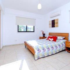 Отель Artemis Villa 6 комната для гостей