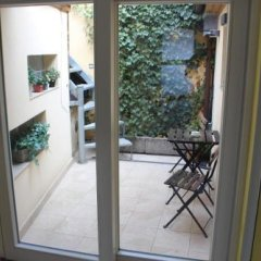Апартаменты Agnes Apartments комната для гостей
