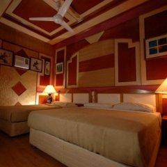 Отель Shari-La Island Resort сейф в номере