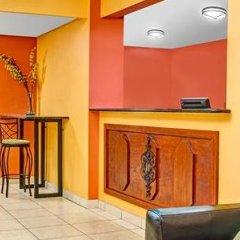 Отель Baymont Inn & Suites Orlando - Universal Studios интерьер отеля