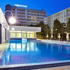 Отель Grand Hotel Trieste & Victoria Италия, Абано-Терме - 2 отзыва об отеле, цены и фото номеров - забронировать отель Grand Hotel Trieste & Victoria онлайн бассейн