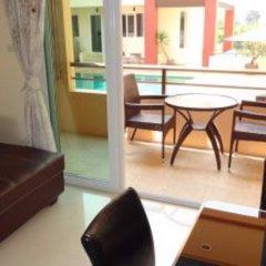Отель Rm Wiwat Apartment Таиланд, Паттайя - отзывы, цены и фото номеров - забронировать отель Rm Wiwat Apartment онлайн балкон