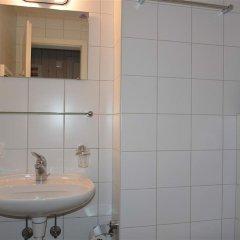 Отель Suzanne Nr. 27 Швейцария, Шёнрид - отзывы, цены и фото номеров - забронировать отель Suzanne Nr. 27 онлайн ванная фото 2