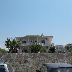 Отель Studios Villa Vasili Албания, Ксамил - отзывы, цены и фото номеров - забронировать отель Studios Villa Vasili онлайн парковка