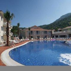 The Blue Lagoon Deluxe Hotel бассейн фото 3