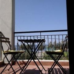 Отель Gyalos Beach Front Aparthotel Греция, Ситония - отзывы, цены и фото номеров - забронировать отель Gyalos Beach Front Aparthotel онлайн балкон